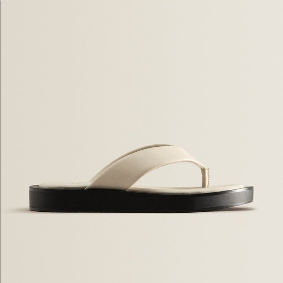 NWOT. Zara Contrast Leather Sandals. Size 7.5